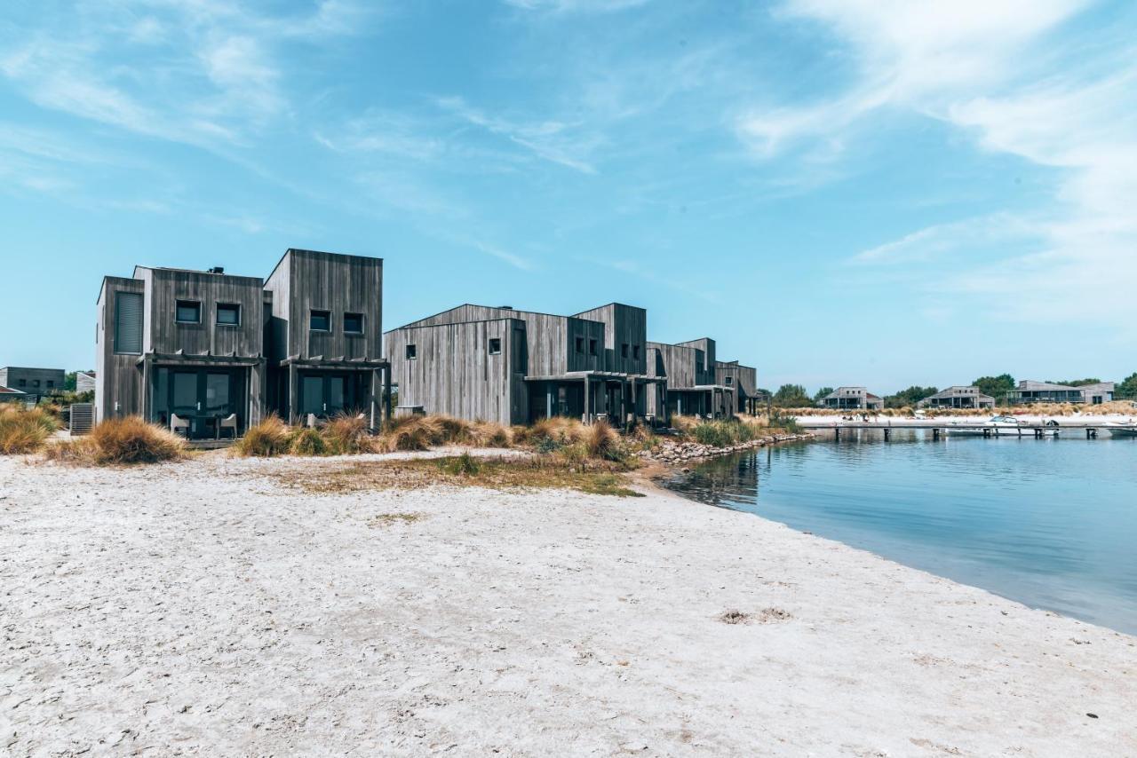 Punt-West Hotel & Beach Resort